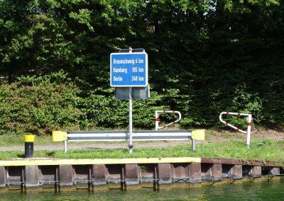 km-Angaben am Ufer