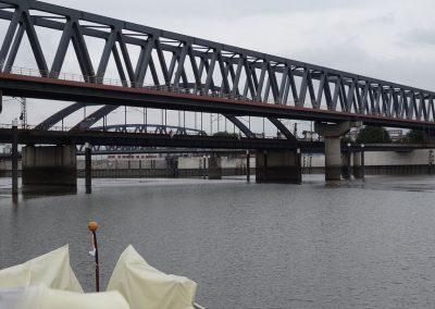 Brückenwirrwarr Richtung Schleuse