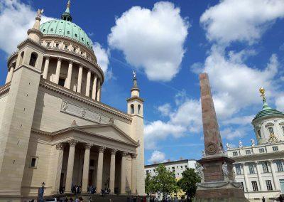 St.Nikolaikirche u. Obelisk
