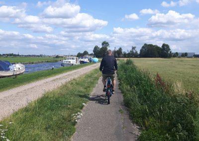 Radtour am Kanal entlang