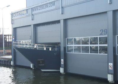 Beim Schiffskauf die Garagengrösse nicht beachtet... :-))