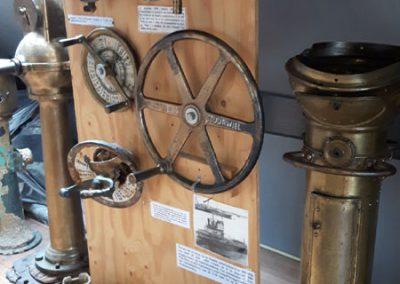 Sammlung von Objekten aus Schiffswracks