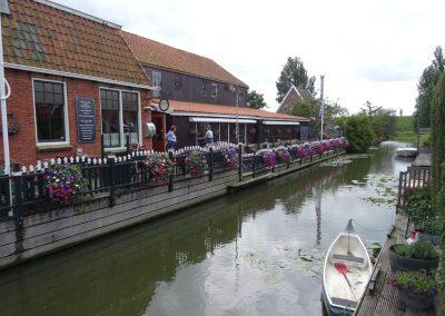 Nettes Restaurant am Wasser