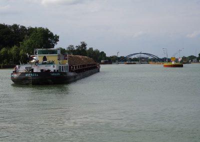 zurück auf dem Rhein-Herne-Kanal