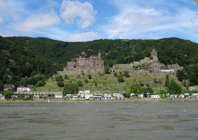 Burgen am Rhein entlang